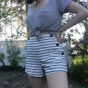 Forever 21 striped shorts size 30